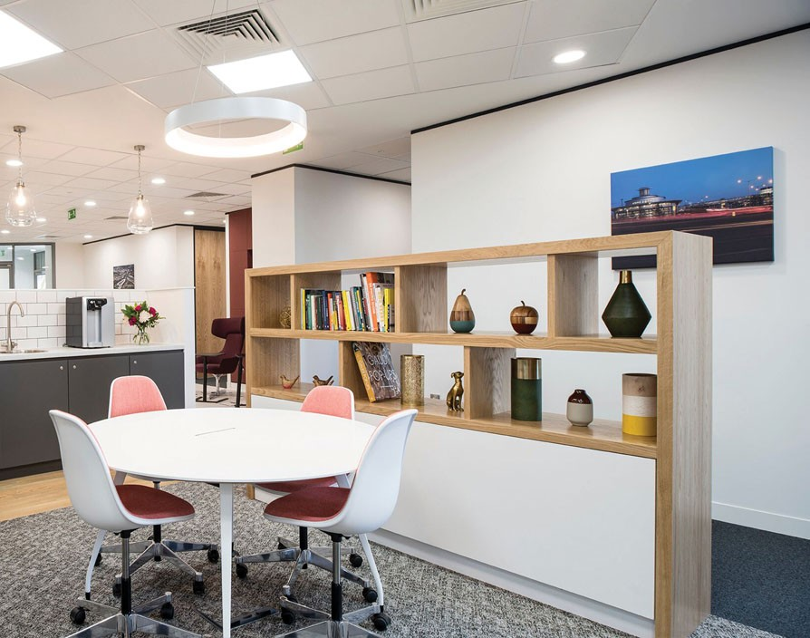 Co-working space provider, Regus enters the UK and is expanding its franchise network